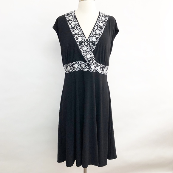Coldwater Creek Dresses & Skirts - 🌈 coldwater creek | floral embroidered dress